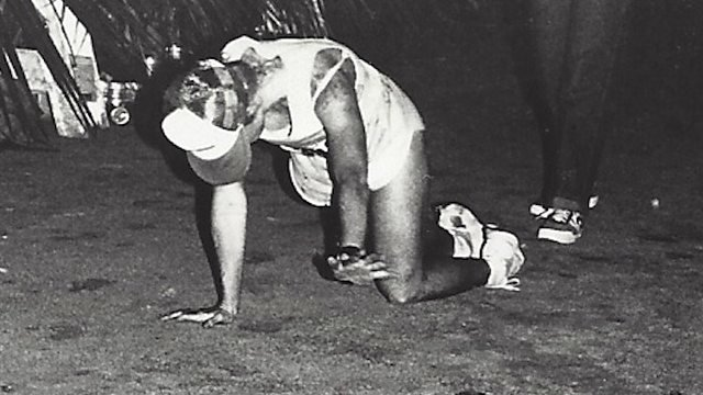 After collapsing from exhaustion at the 1982 Ironman Triathlon, Julie Moss crawled to the finish line where she placed 2nd. The captivating image became one of the most powerful in sports and a catalyst for the growth of the Ironman contest.