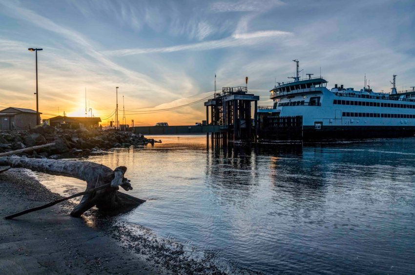 Washington State Ferry arrival at sunrise. Photo by Andy Porter Images.