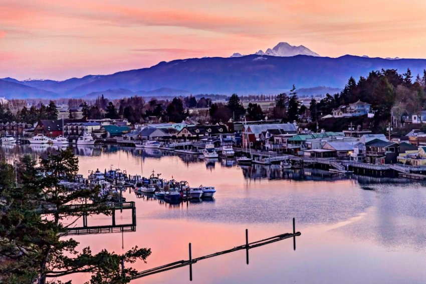 La Conner and Mount Baker at sunrise. Photo by Andy Porter Images.