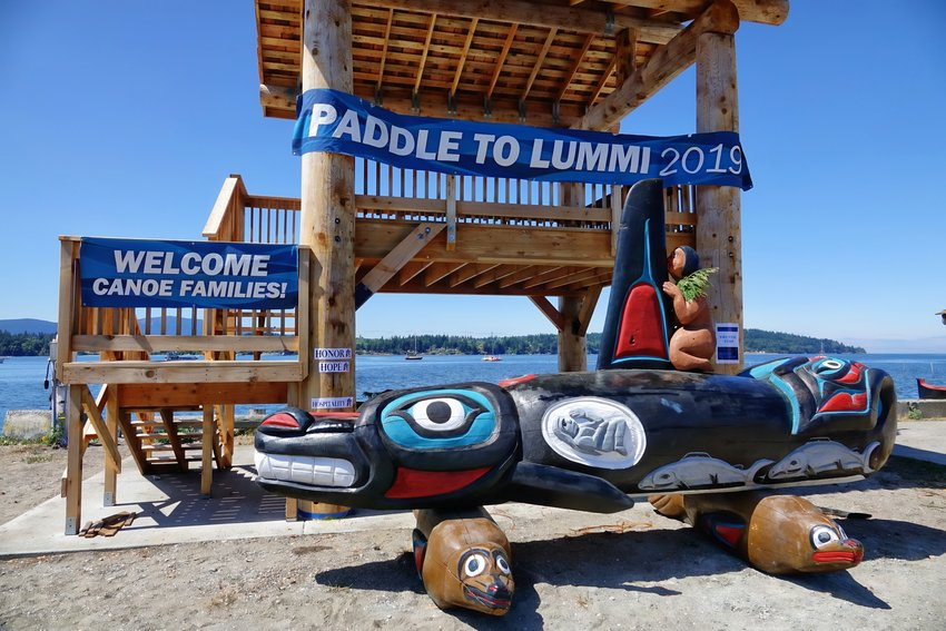 Paddle to Lummi welcome. Photo by Rick Lawler.